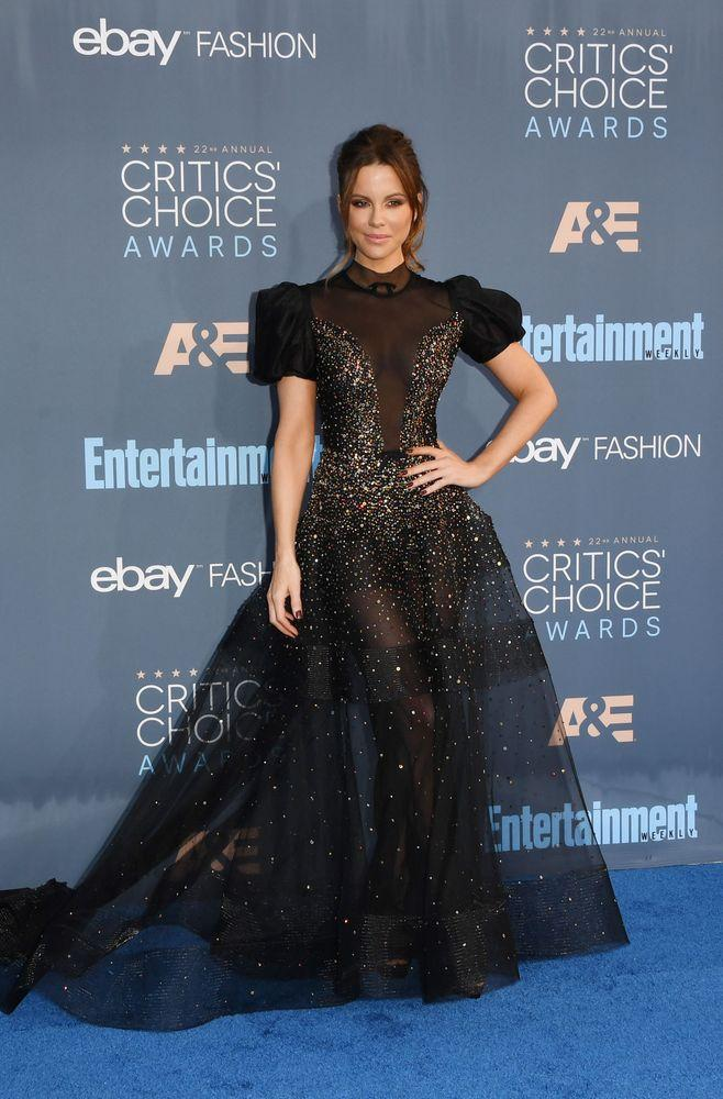 Kate Beckinsale in Reem Acra.