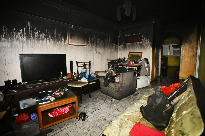 One of man's five cats dies after flat fire