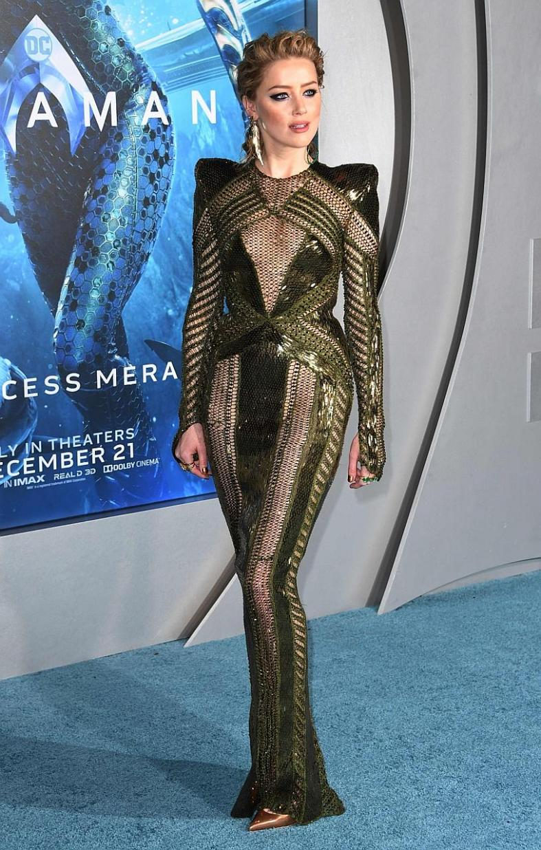 Mary Queen of Scots star Saoirse Ronan rules the red carpet too