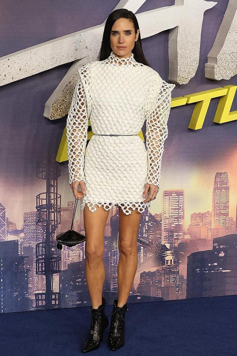 Pop star serves up sci-fi style
