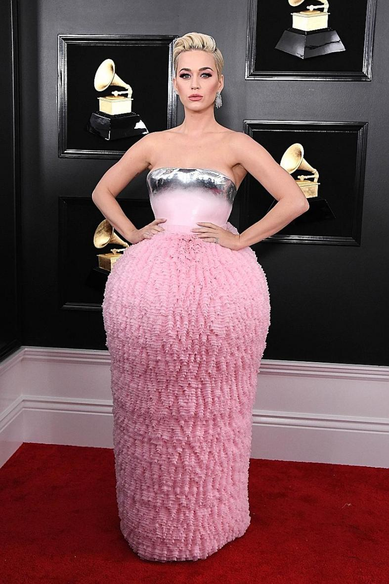 Katy Perry and other music divas risk it all on Grammys red carpet