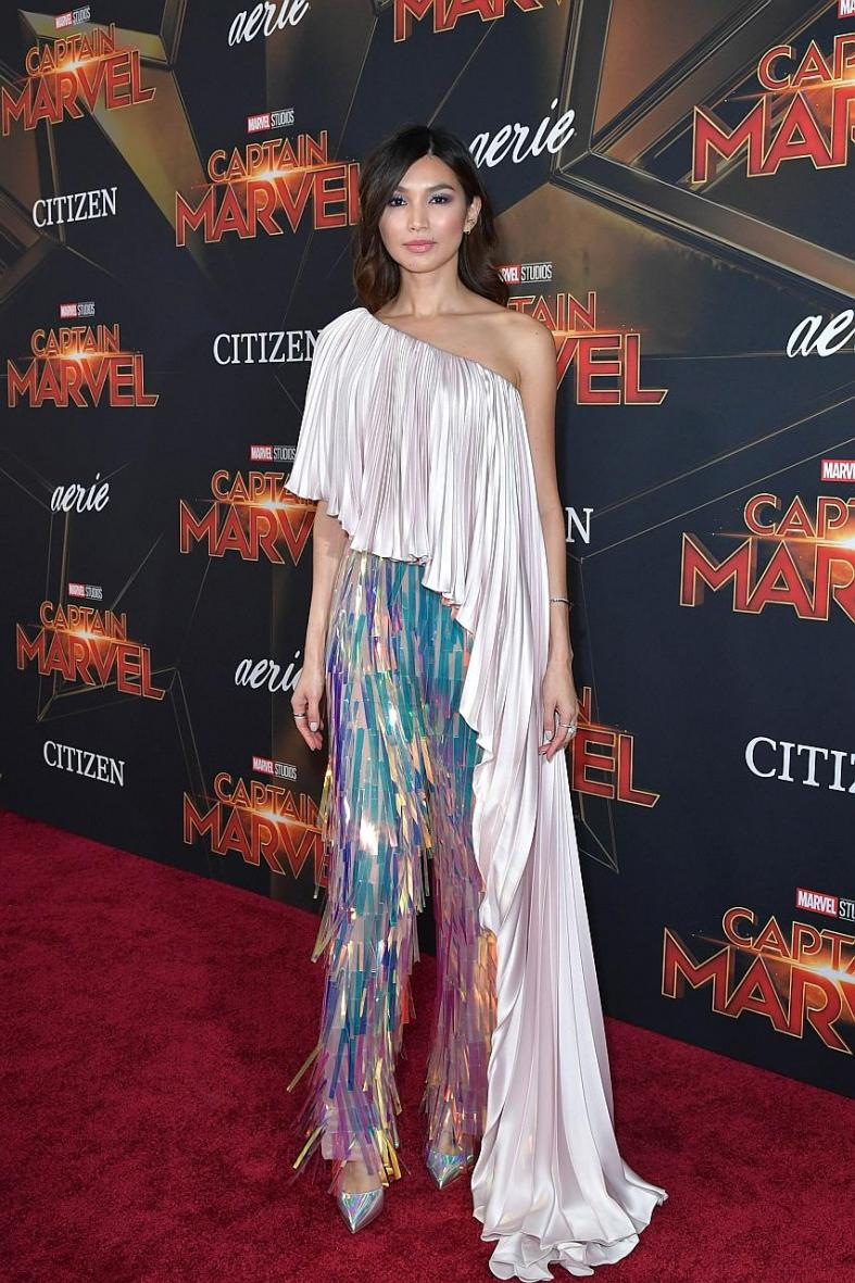 Captain Marvel stars redeem themselves on red carpet