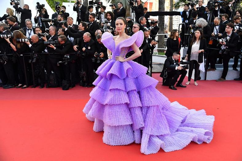 Elle Fanning is queen of the Cannes red carpet