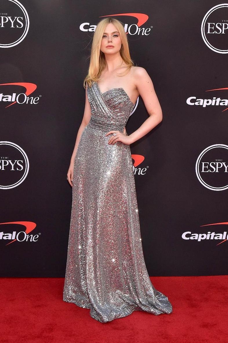 Elle Fanning is old pro at red carpet game