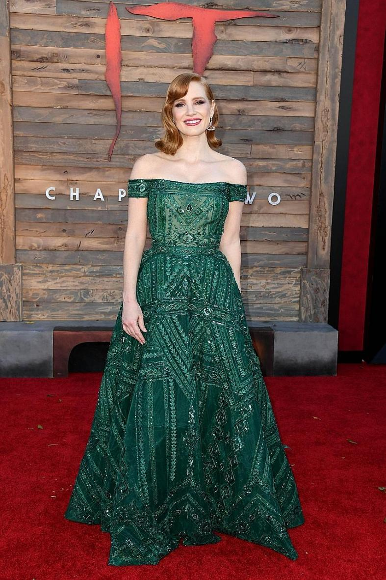 Jessica Chastain makes us green with envy