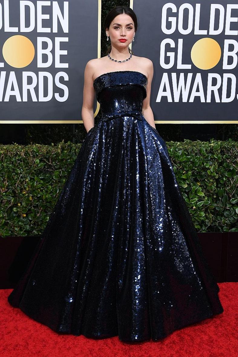 Ana de Armas glams up like the movie star she's become