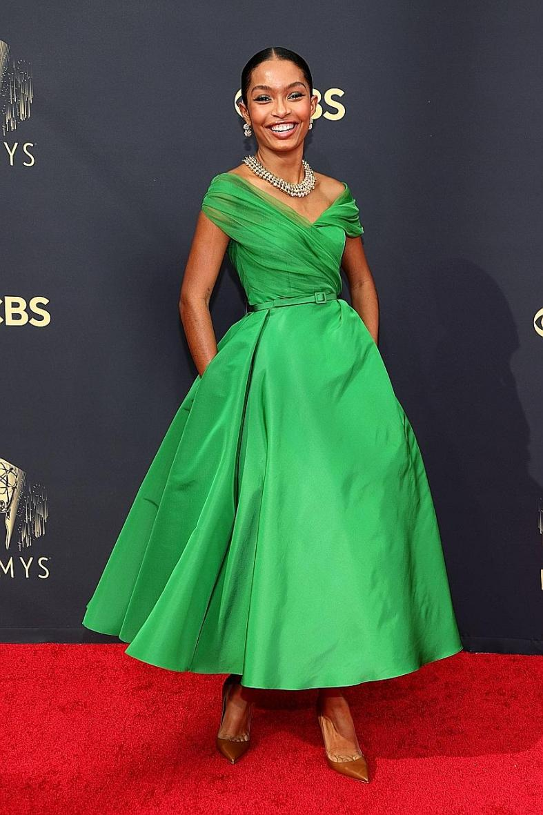 Yara Shahidi makes us all green with envy on the Emmys red carpet