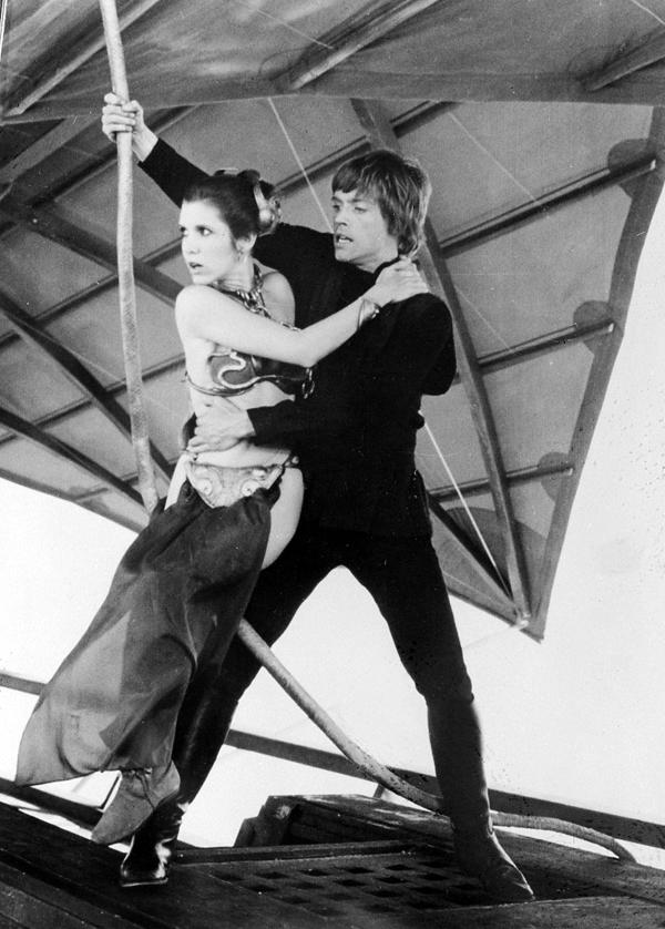 Carrie Fisher as Princess Leia and Mark Hamill as Luke Skywalker in Return Of The Jedi (1983)
