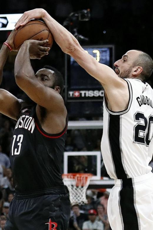 Ginobili stops Rockets with last-gasp block