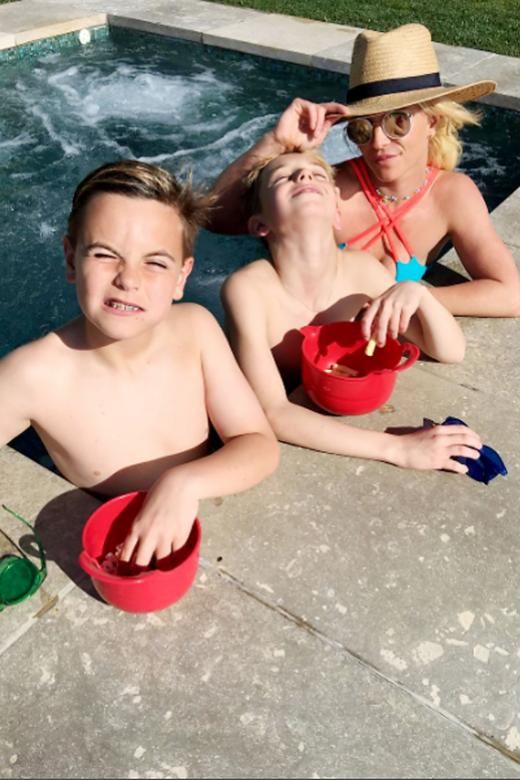 Spears' sons 'make sure nobody messes' with her