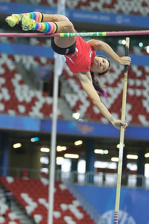 Pole vault pair stranded in Hong Kong