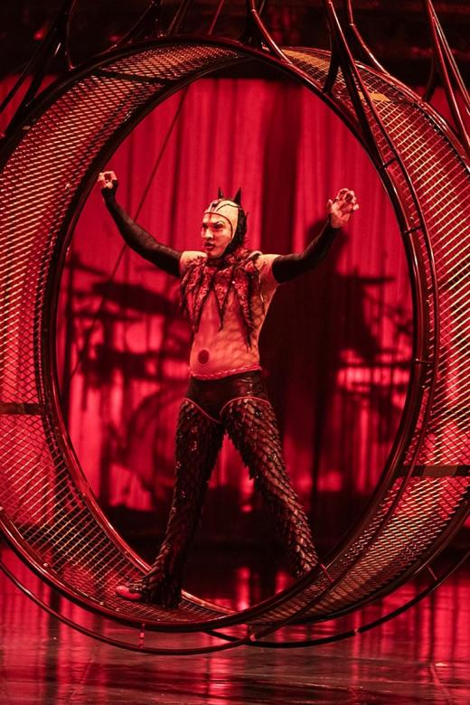 A test of both body and mind for Cirque du Soleil acrobat