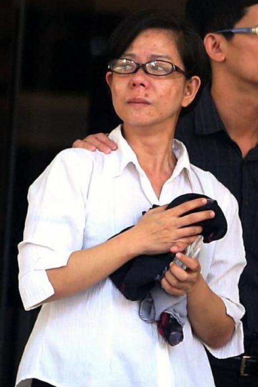 Woman jailed for hitting taxi driver with her shoe
