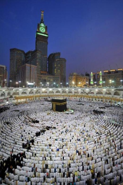 Qatar accuses Saudi Arabia of denying safety to haj pilgrims