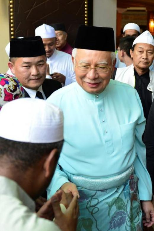 Umno gives mandate to Najib to form pact with PAS