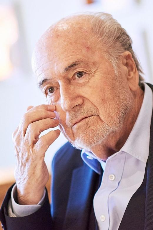 Blatter will go to World Cup at Putin's invitation