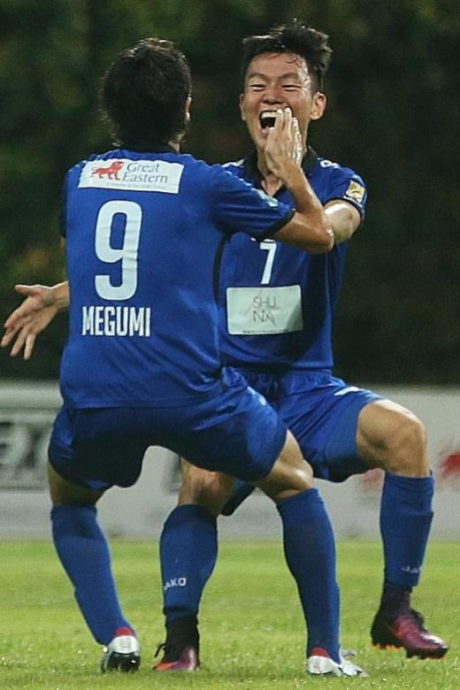 Title all but Albirex's