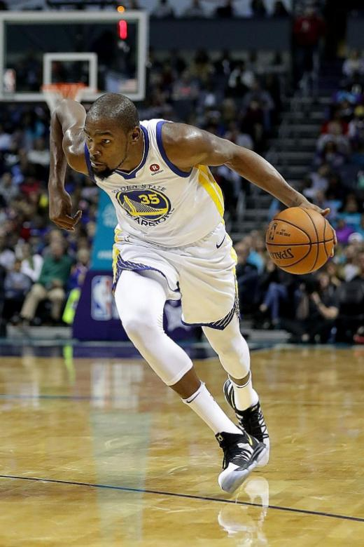 No Curry, but Durant spices it up