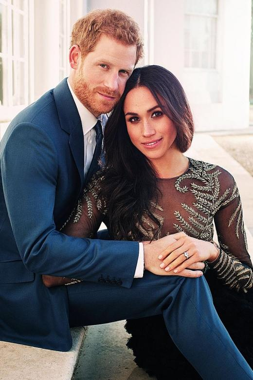 Prince Harry, Meghan Markle release engagement pictures