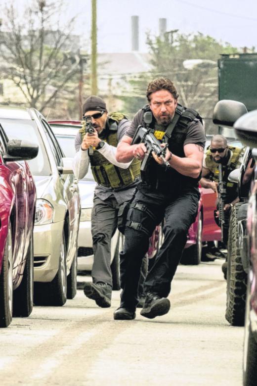 Fractured bones, knee injuries didn't stop Gerard Butler from movies