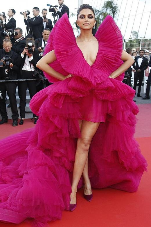 Blake Lively's Met Gala masterpiece trumps Cannes red carpet gownery
