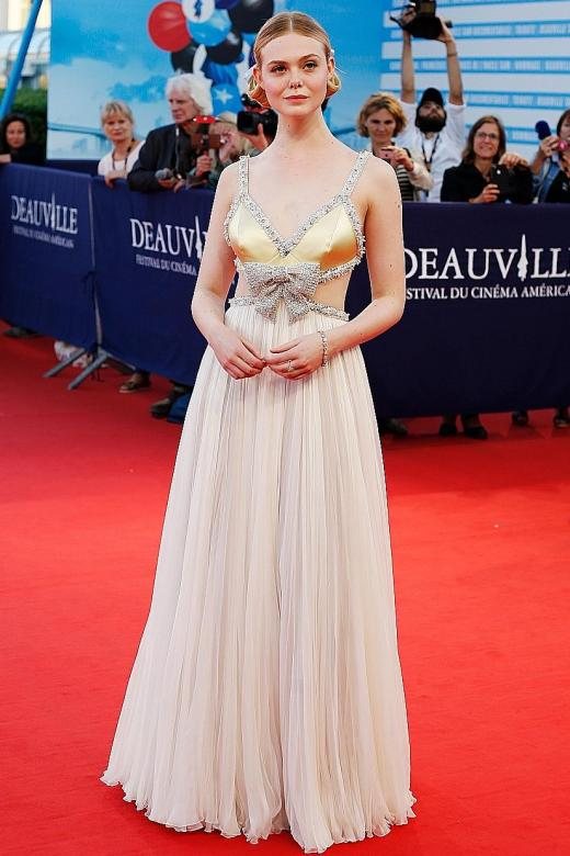Elle Fanning back on red carpet in fairy-tale princess mode