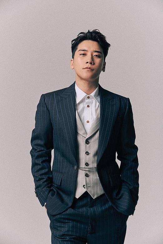 Big Bang's Seungri booked on alleged sex bribery