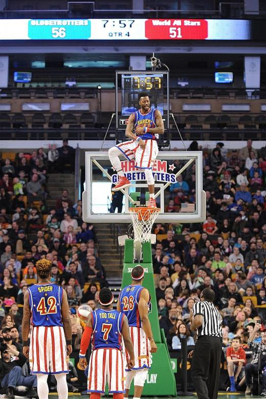 The Harlem Globetrotters 2019 Fan Powered World Tour