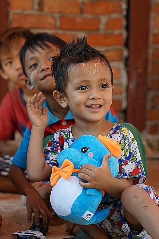 Jetstar baby celebrates third birthday with special visit