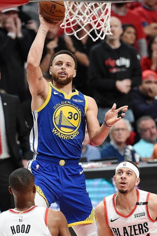 Golden State Warriors reach fifth straight NBA Finals
