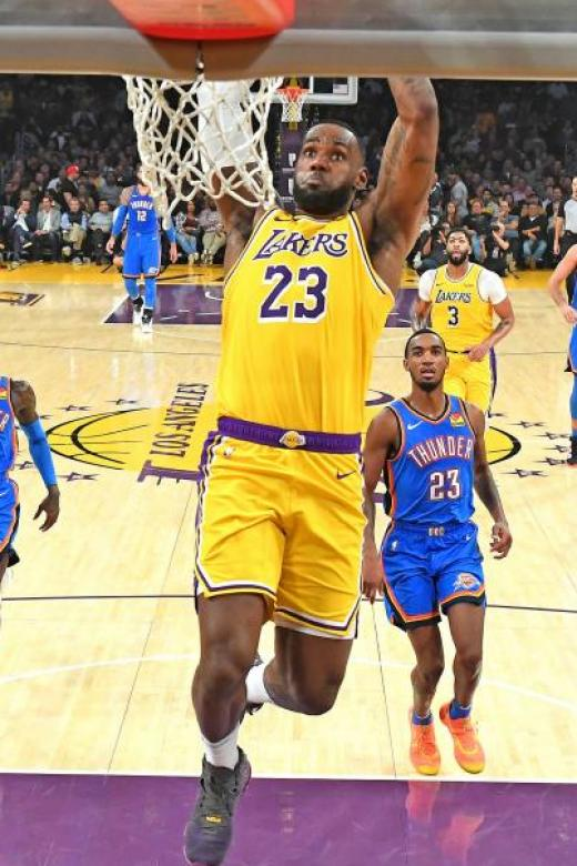 LeBron James makes triple-double history in Lakers' win over Thunder
