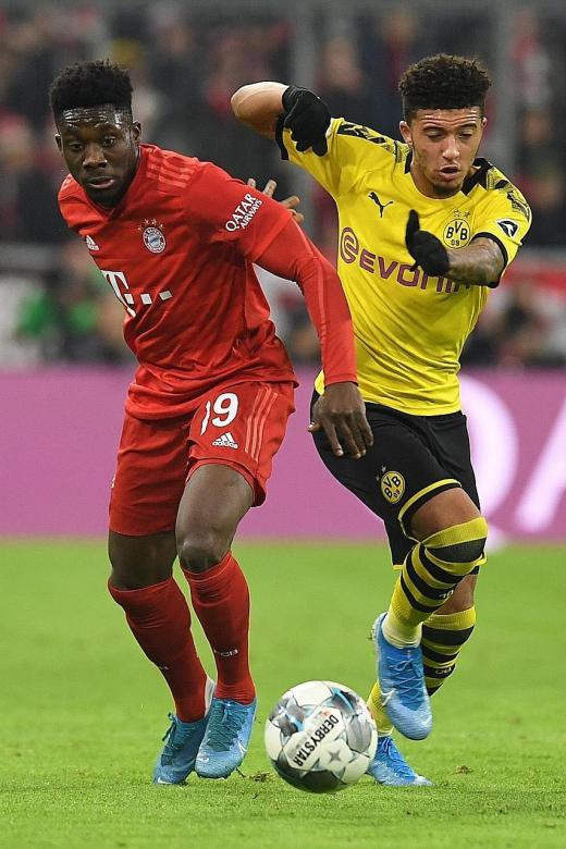 Alphonso Davies, 19, shows his versatility at Bayern Munich