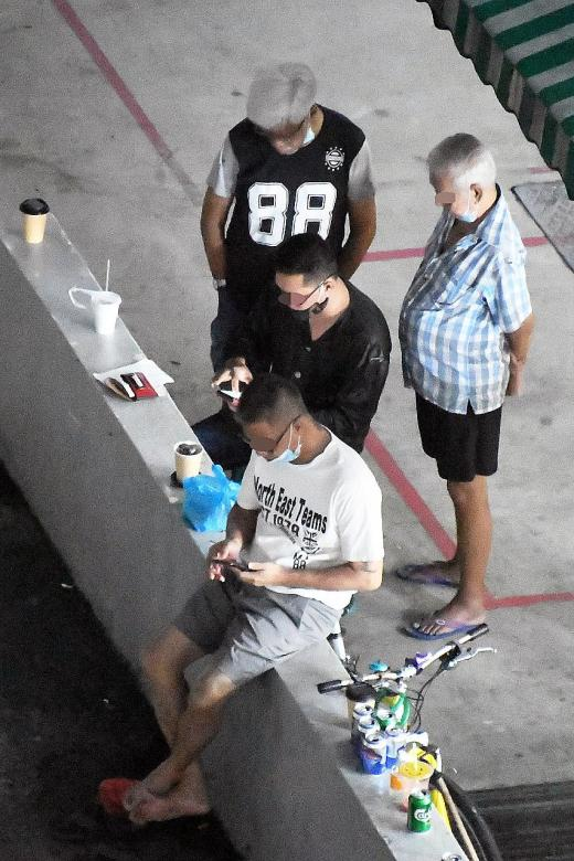 Men gather at Marine Parade carpark, supposedly to gamble illegally