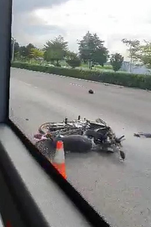 Two dead after collision between car and motorcycle on TPE