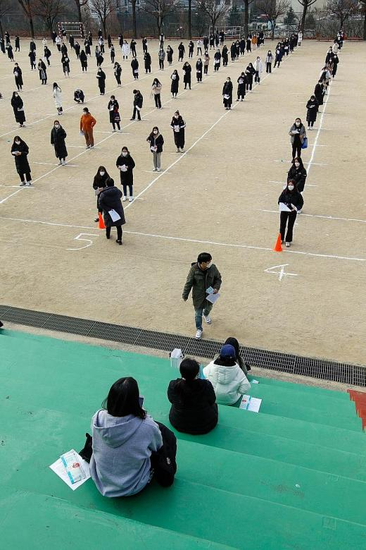 S. Korea's high school seniors under more stress ahead of key exam