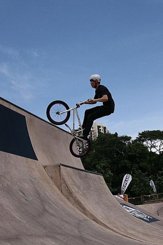 Proposal to ban bikes with no handbrake from paths, roads
