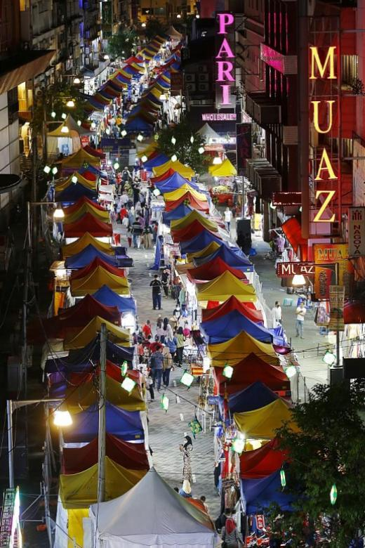 Six Selangor districts under strict movement curbs
