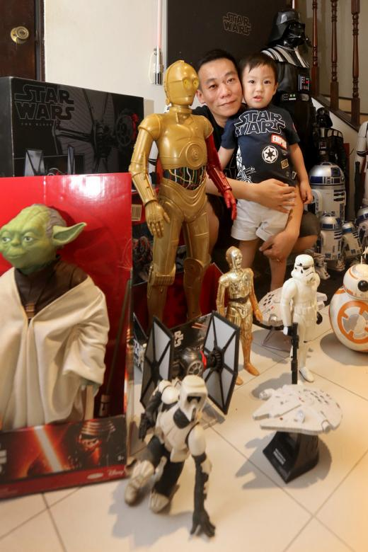 Man selling Star Wars collection in memory of his wife