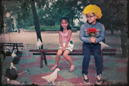 Man photoshops himself into girlfriend's childhood photos