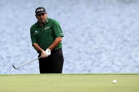 Cabrera cruises to early lead
