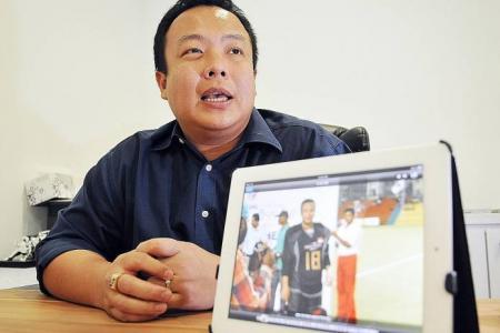 Lim backs hockey men