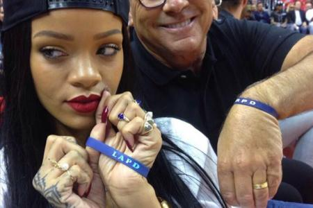 Rihanna donates US$25,000 to LAPD for dropping a phone