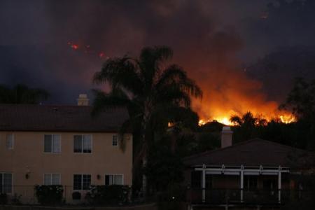 Firenado appears in California bush fires