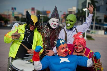 GALLERY: Clown-ing around