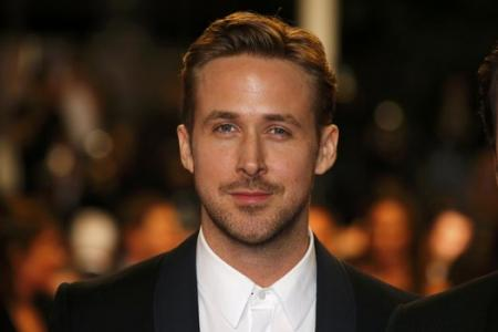 Here's a picture of Ryan Gosling looking good