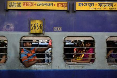 Train crash in India kills at least 10 people