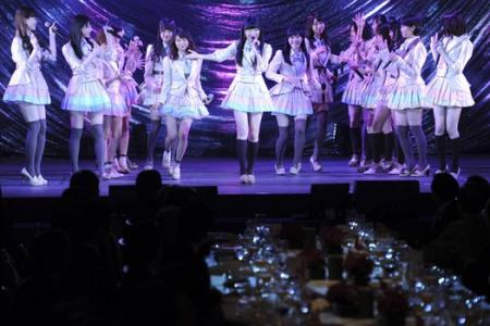 Japanese pop group AKB48 attacked by slasher at fan event