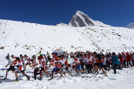 Nepalese runner wins world's highest  marathon