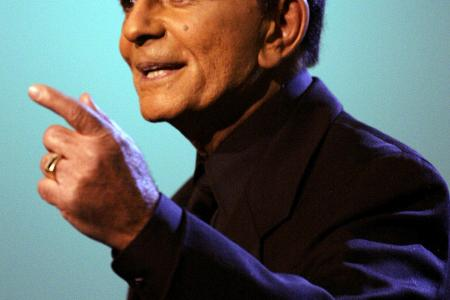 Casey Kasem's wife will be arrested if she doesn't turn up in court