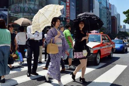 Heatwave kills 2 in Japan, hundreds taken to hospital